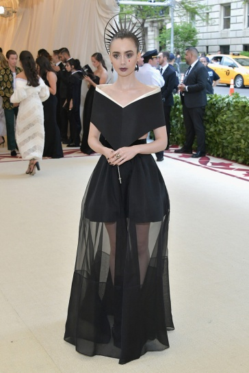 LILLY COLLINS-GIVENCHY